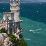 A festői Fecskefészek-kastély