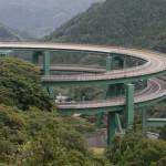A duplahurkú spirál – egy különleges híd Japánban
