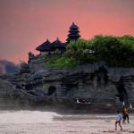 Tanah Lot – gyönyörű tengeri templom Balin