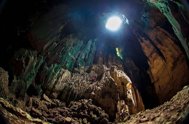 Borneói barlang