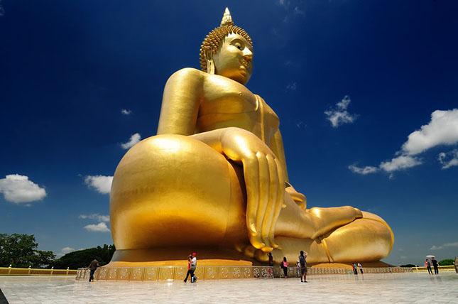 Buddha, Wat Muang