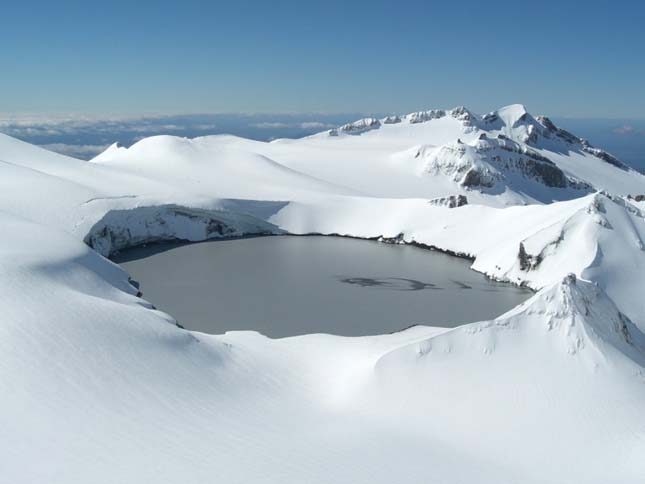 Kráter-tó, a Ruapehu hegyen, aktív sztratovulkán a Taupo vulkáni zóna déli végén, Új-Zélandon