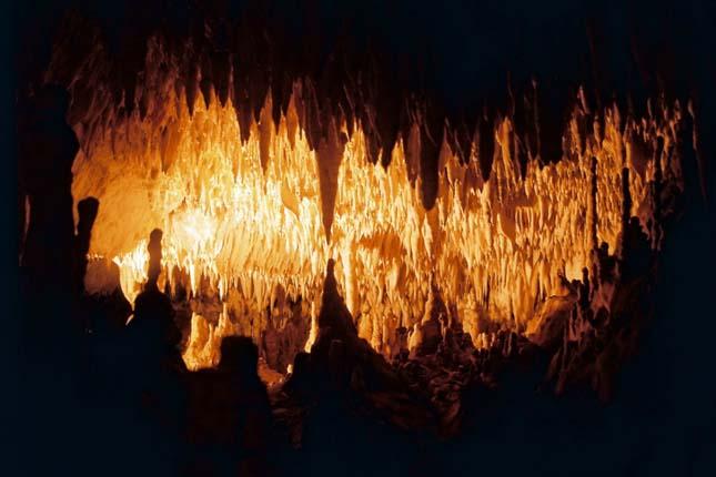 Sárkány-barlang, Görögország.