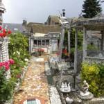 La Maison á Vaisselle Cassée – a törött edények háza