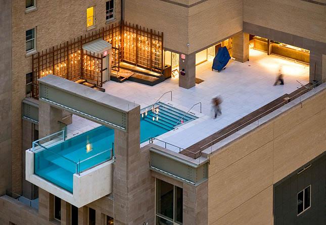 A Joule Hotel medencéje, Texas (USA)