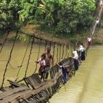 Gyerekek életveszélyes útjai az iskolába