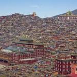 Larung Gar Buddhista Akadémia Tibetben