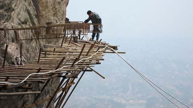Építkezés a sziklán
