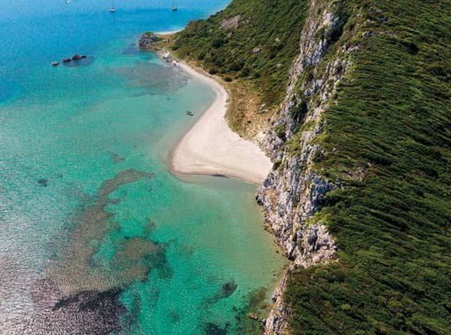 Beach Gloss, Görögország
