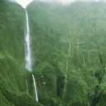 Hawaii leghosszabb vízesése, a Honokohau-vízesés