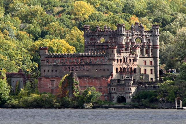 Bannerman Castle2