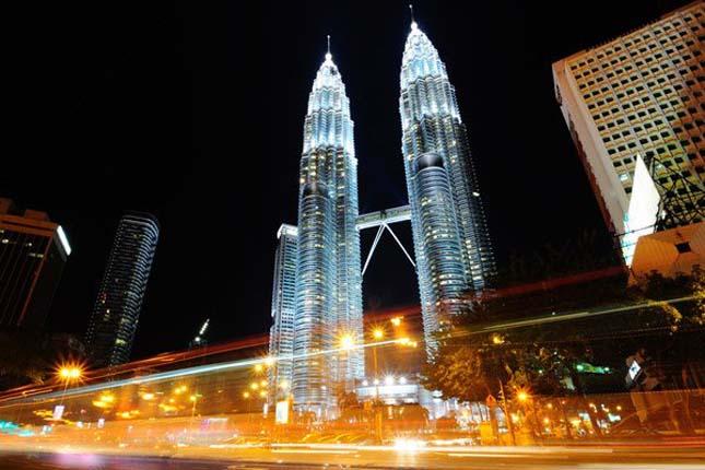 Petronas Tornyok, Malajzia