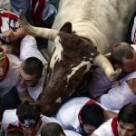 Bikafutattás a San Fermín fesztiválon – Menekülés a megvadult bikák elől