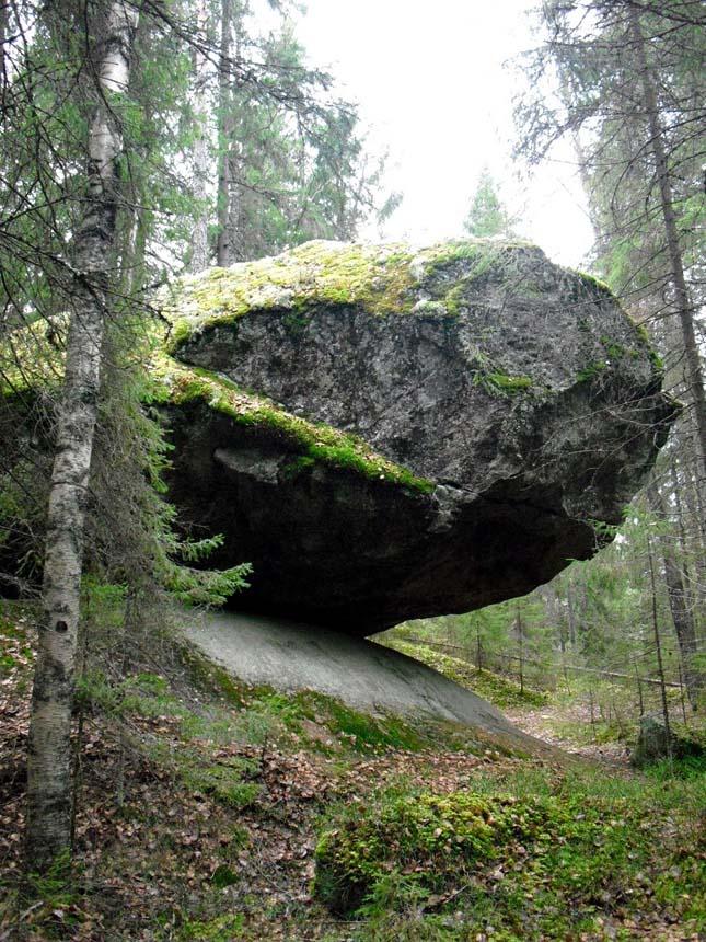 Kummakivi-kő