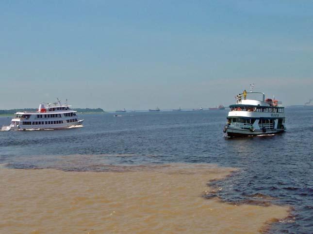 Rio Negro és az Amazonas folyó