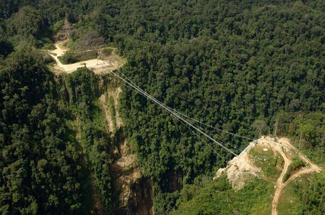 Hegigio Gorge Pipeline Bridge