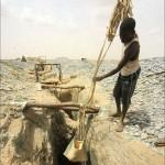Aranybányászat a Dél-Szudáni sivatagban