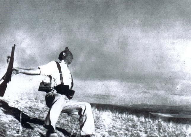 A milicista halála (Robert Capa, 1936)
