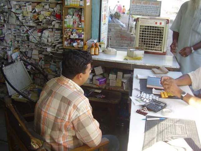 gyógyszertár Indiában