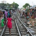 Nyomor és kilátástalanság a bangladesi sínek mentén