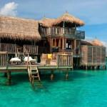 A világ legnagyobb vízfeletti bungalója