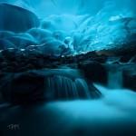 A Mendenhall-gleccser csodálatos jégbarlangjai