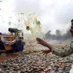 A pakisztáni hadsereg több ezer liter illegális alkoholt semmisített meg