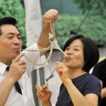Élő polipot esznek gasztronómiai élvezet gyanánt Dél-Koreában