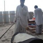 A pakisztáni naan kenyér készítése