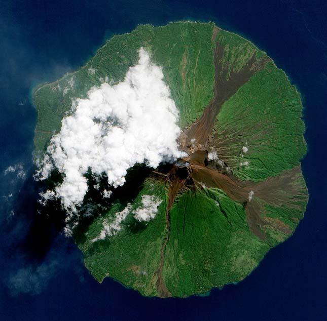 Manam Vulkán, Pápua Új-Guinea