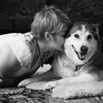 Könnyfakasztó fotók az utolsó pillanatokról – kutyák elaltatás előtt a gazdájukkal