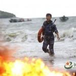 Női tengerészgyalogosok szigorú kiképzése Kínában, élő céltáblatartókkal
