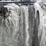 Befagyott a Niagara-vízesés egy része