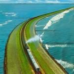 Különleges, vízen áthaladó közúti és vasúti útvonalak