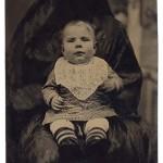 Rejtőzködő anyukák – különös fényképek a viktoriánus korból