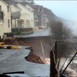 Tengerparti házak kerültek veszélybe Nagy-Britanniában a hatalmas viharok miatt