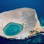 A Bainbridge Rocks különleges szigete a Csendes-óceánon