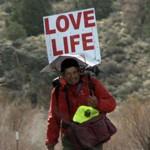 Steve Fugate 14 éve járja Amerikát az életszeretetet hirdetve