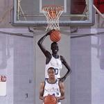 Manute Bol, a 231 centiméter magas egykori profi kosárlabdázó