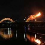 Vietnam tűzokádó Sárkány hídja