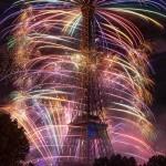 A nap képe – Látványos tűzijáték az Eiffel-toronynál