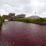 Vörössé változott egy kínai folyó vize