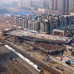 Photo: 17000 tonnás felüljárót forgattak a helyére Kínában
