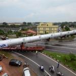 A közúti szállítás nehézségei és különleges módszerei 50 fotón bemutatva