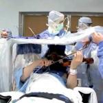 Végig hegedülte agyműtétjét egy amerikai hegedűművész