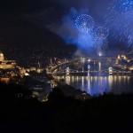 Az idei ünnepi tűzijáték látványos képeken