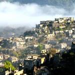 Elárervereznek egy lakatlan falut a Földközi-tengernél