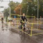 Autóméretű biciklikkel tiltakoztak az utak zsúfoltsága ellen
