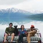 Három barát, két kutya és egy kanapé Amerika körül – egy szokatlan utazás képei