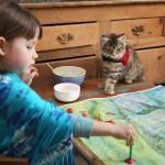 Különleges barátság – egy 5 éves autista kislány és cicájának megható története